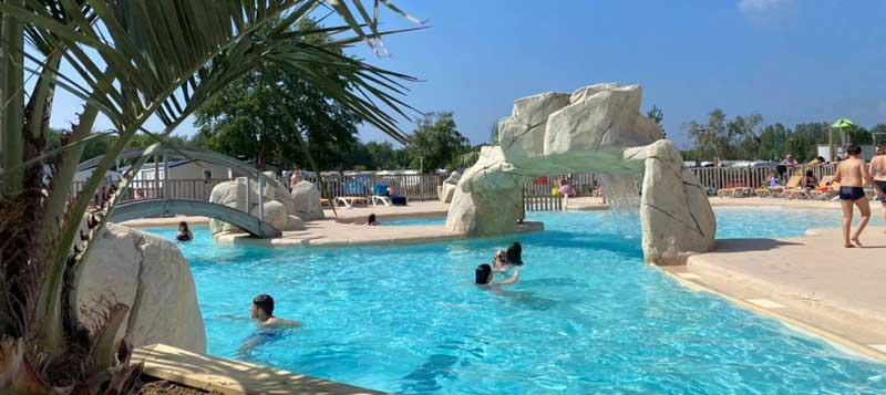 Piscine ouverte en Juin dans un camping proche Berck sur Mer. Les Jardins de la Mer ouvre sa piscine tous les week-end en Juin.